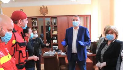 Medicii voluntari din România au returnat plicurile cu câte 1.000 de dolari lui Renato Usatîi