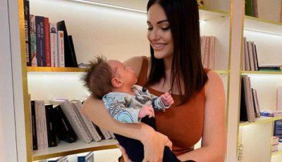Tany Vander a publicat o poză adorabilă cu fiul ei, la o lună după naștere