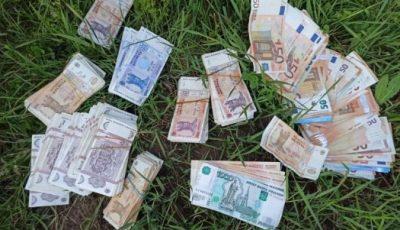 Hoții au furat peste 12 mii de euro și 144.500 lei dintr-o locuință din raionul Călărași