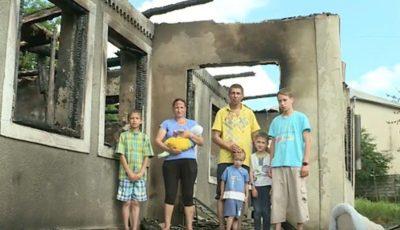 O familie cu 5 copii, din satul Sadova, a rămas pe drumuri. Un incendiu le-a mistuit casa