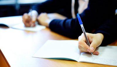 Candidații restanțieri din anii precedenți pot susține Bacalaureatul: orarul examenelor