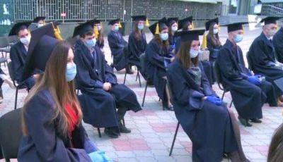 Cu măști și mănuși, dar cu mari emoții! 40 de absolvenți ai ASEM și-au primit astăzi diplomele