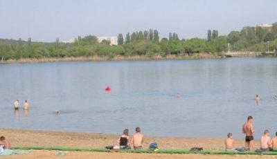 Apa din toate lacurile din municipiul Chişinău este contaminată bacteriologic şi prezintă pericol pentru populaţie, susțin specialiștii
