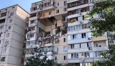 Video! Explozie devastatoare într-un bloc din Kiev. Salvatorii evacuează locătarii