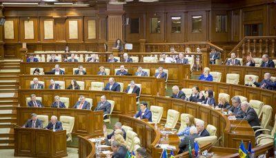 Ce salarii primesc deputații moldoveni