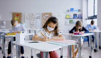 Copiii din școli și grădinițe vor fi obligați să poarte măști? Ce spune directorul ANSP Nicolae Furtună
