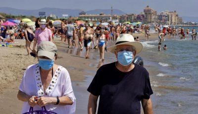 Noi restricții în România: mască purtată obligatoriu în toate spațiile deschise, inclusiv pe plaje