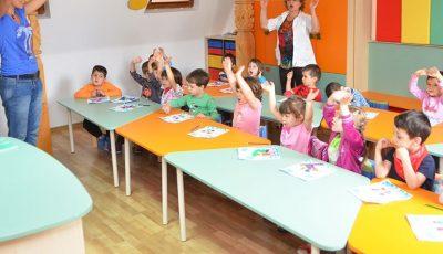 La grădiniță vor merge doar copii cu ambii părinți care muncesc, fiind necesară prezentarea unui act de la locul de muncă