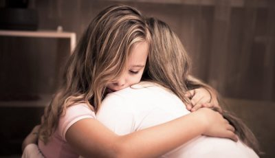 O fetiţă de 12 ani a cerut să fie internată într-un spital Covid, pentru a nu-şi infecta mama care suferă de o boală gravă