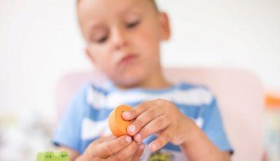 Copiii cu autism vor beneficia de teste de diagnostic și terapie gratuit