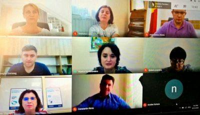 Ministra Sănătății muncește de la distanță, chiar dacă luptă cu Covid-19. Ședință în regim online