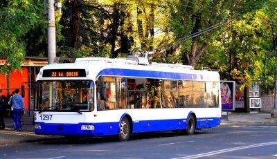 Primăria Chișinău lansează curse speciale de troleibuze și autobuze pentru copii