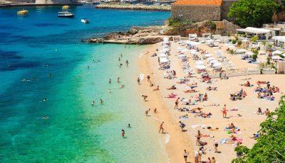 Turcia raportează o creștere bruscă a cazurilor de Covid-19 în stațiunile de odihnă