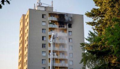 Cumplit. 11 persoane au murit într-un incendiu. Cinci dintre acestea, după ce au sărit de la etajul 12