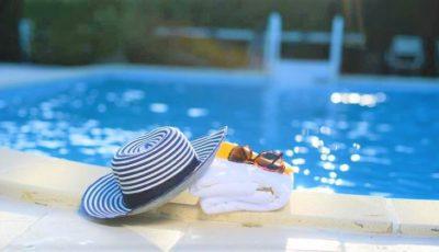 Piscinele și bazinele de înot se deschid de luni