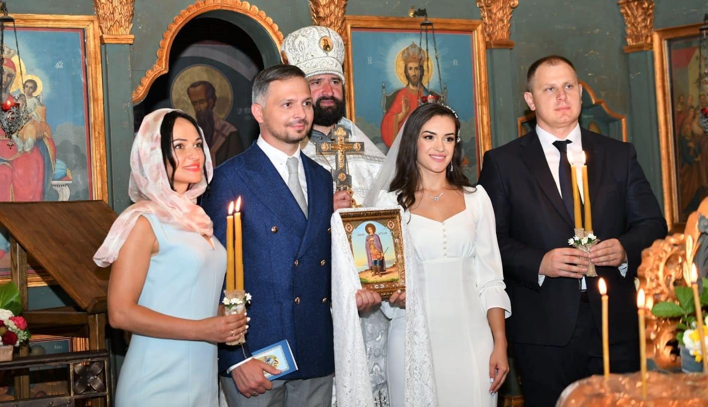 Prezentatorul Dumitru Mișin s-a căsătorit cu aleasa inimii sale. Poze de la cununie