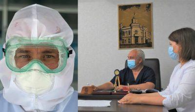 Un tată și copiii săi, medici, muncesc cot la cot în prima linie de luptă cu Covid-19