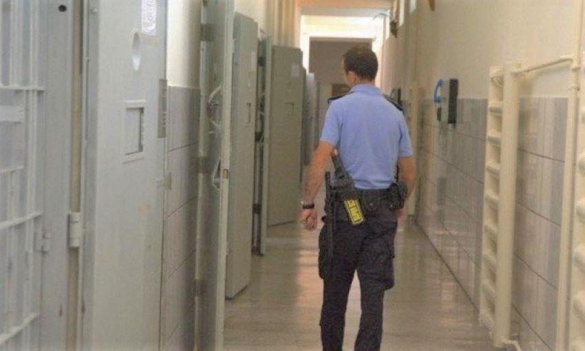 Autorităţile intenţionează să depopuleze penitenciarele din Republica Moldova, din cauza epidemiei