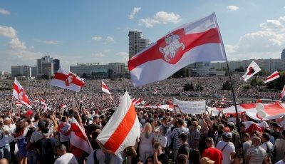 Zeci de mii de persoane din Belarus au manifestat din nou duminică la Minsk