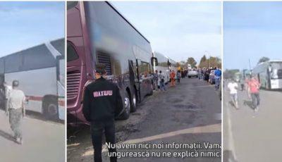 Circa 12 autocare cu moldoveni, blocate de patru zile la granița cu Ungaria