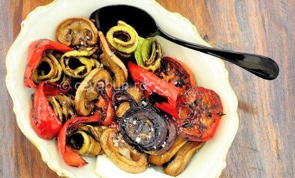 Foto: Salată de legume la grătar!