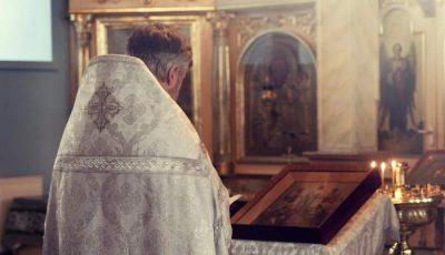 Au încurcat cadavrele. Un preot răpus de Covid-19, înmormântat de către o familie străină