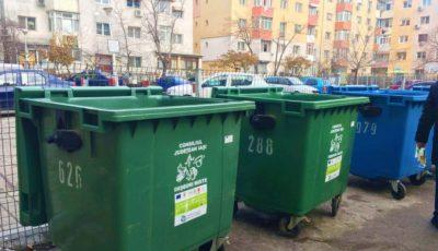 Persoanele care aduc gunoiul la tomberoanele din preajma blocurilor de locuit vor primi amenzi