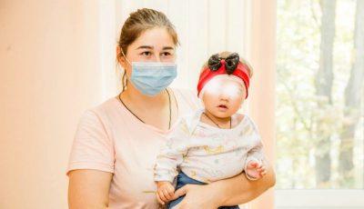 Operații gratuite de implant cohlear în Moldova: 20 de copii vor auzi vocea mamei