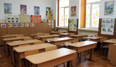 Un liceu din Dochia s-a închis. 8 profesori au Covid-19