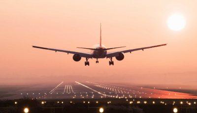 Un pasager din clasa business a infectat 15 persoane în timpul unui zbor