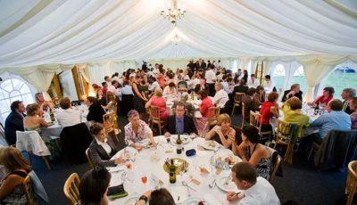 Nuntă mare la Otaci cu peste 150 de invitați. Tradiția nu se încalcă