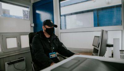Doi moldoveni, reținuți la vamă cu contracte de muncă fictive