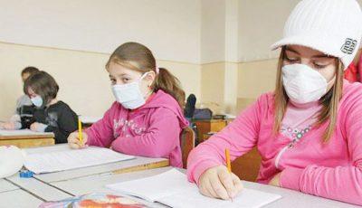 În Germania se recomandă aerisirea sălilor de clasă de trei ori pe oră. Elevii vor purta căciuli și fulare la cursuri