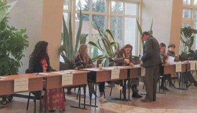Guvernul va cumpăra 3 milioane de măști pentru a le oferi cetățenilor la alegerile din 1 noiembrie