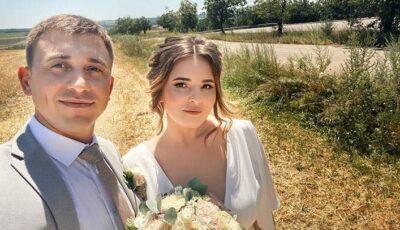 Lia Taburcean s-a căsătorit! Artista, alături de soțul ei, în rochie albă de mireasă