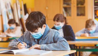 În Chișinău, nu există cazuri atestate de transmitere a Covid-19 de la elev la elev