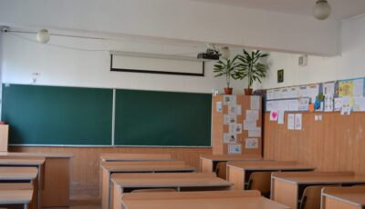 În 26 de școli din Capitală, lecțiile ar putea reveni la durata de 30 de minute