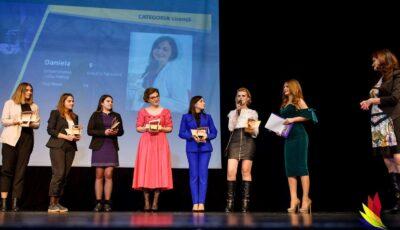 """Tinerii studioși plecați peste hotare sunt îndemnați să participe la concursul național """"Gala Studenților Originari din Republica Moldova""""!"""