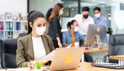 Avertismentul virusologilor: mediile interioare fără o bună ventilație cresc riscul de infectare