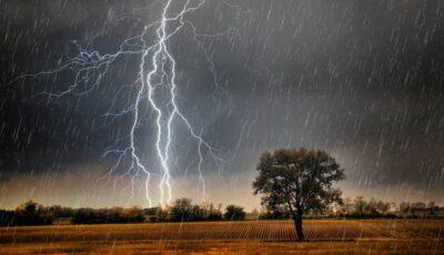 Alertă meteo: Cod galben de ploi puternice în centrul și sudul țării