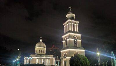 Cadou de Ziua Orașului. Catedrala Mitropolitană și alte edificii,  decorate cu lumini