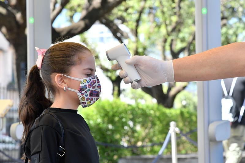 Deschiderea școlilor nu a dus la creșterea ratei de infectare cu coronavirus în rândul copiilor