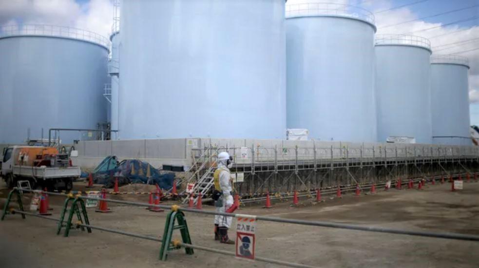 Apa radioactivă de la Fukushima ar urma să fie eliberată în Oceanul Pacific. Aceasta ar putea modifica ADN-ul uman, conform Greenpeace