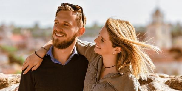Foto: Iată de ce e bine să ai o relație cu un bărbat care are o soră