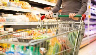 În Moldova se scumpesc alimentele. Prețurile vor crește și mai mult în ajunul revelionului și primăvara anului viitor