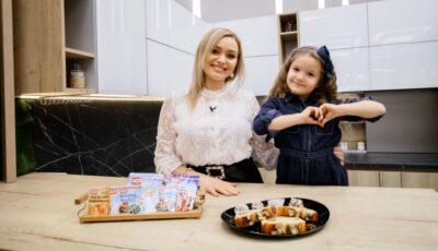 Cornelia și Alexandra Ștefăneț au gătit prăjitură cu fulgi de migdale și cocos