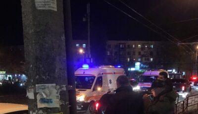 Accident în Capitală: două tinere, lovite în timp ce traversau strada