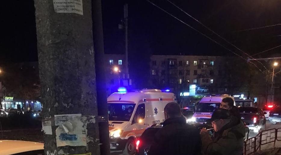 Foto: Accident în Capitală: două tinere, lovite în timp ce traversau strada