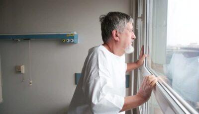 """Scrisoarea unui pacient de Covid-19 de pe patul de spital: ,,Când se elibera un pat, nu dura 5 minute și era ocupat cu alt pacient"""""""