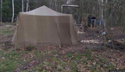"""În Belarus, o familie s-a ascuns în pădure de frica ,,Covid-19 și implantarea cipurilor"""""""